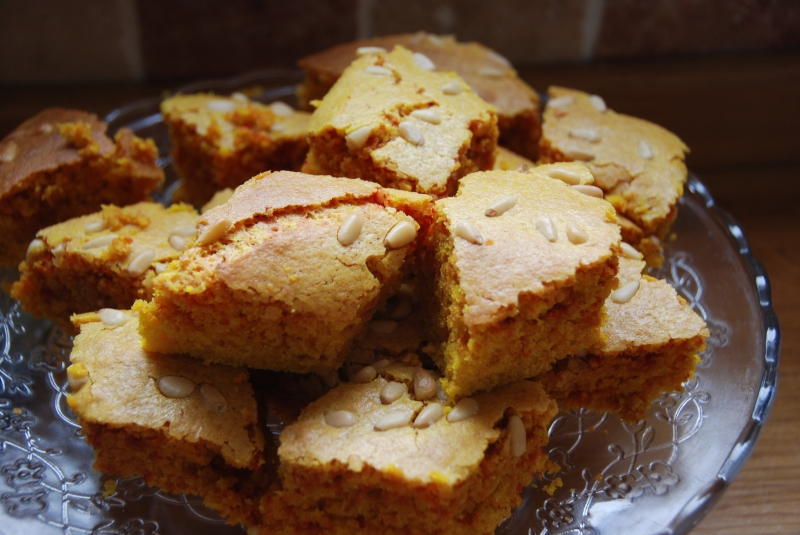 Sfoof: Sfouf, Yellow Lebanese cake DSC_0248